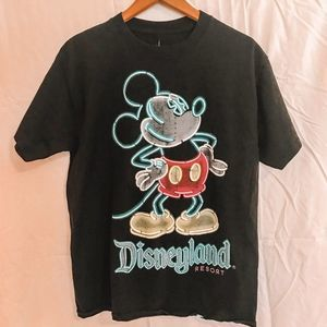Disneyland T-Shirt Medium Unisex